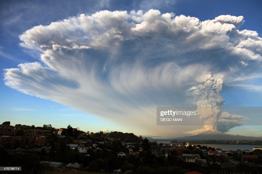 CHILE-VOLCANO-CALBUCO : News Photo