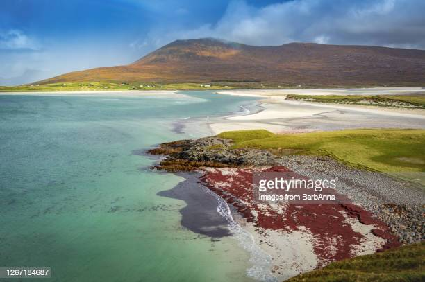 view from seilebost towards luskentyre on the isle of harris, outer hebrides, scotland, uk - western isles stock pictures, royalty-free photos & images