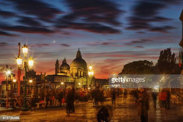 サン ・ マルコ広場、ヴェネツィア、イタリアからの眺め - プンタデラドガーナ ストックフォトと画像