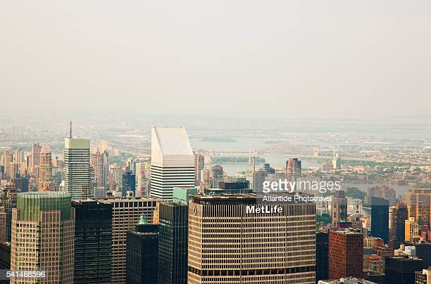 view from the empire state building - metlife building stock pictures, royalty-free photos & images