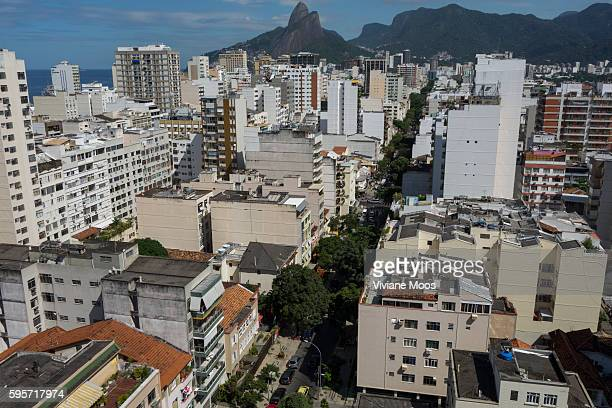 View from the Favela Cantagalo overlooking wealthy Ipanema