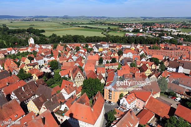 view from the tower of the daniel or st.-georgs-kirche church to the northwest, noerdlingen, swabia, bavaria, germany, europe - kirche - fotografias e filmes do acervo