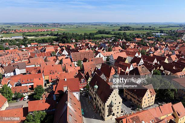 view from the tower of the daniel or st.-georgs-kirche church to the north, town hall, noerdlingen, swabia, bavaria, germany, europe - kirche - fotografias e filmes do acervo