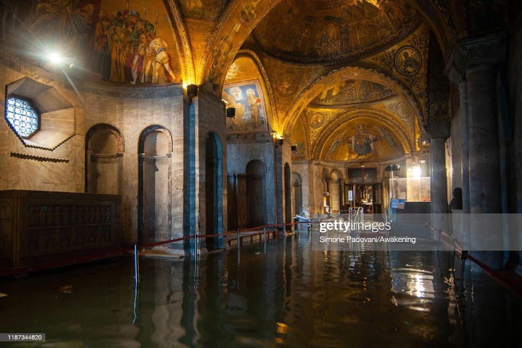 Venice Floods Cause Mayor To Declare State Of Emergency : Foto di attualità