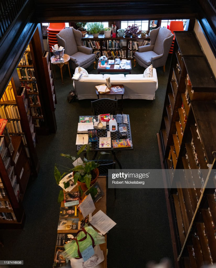 Public Library At Rensselaerville, New York : News Photo