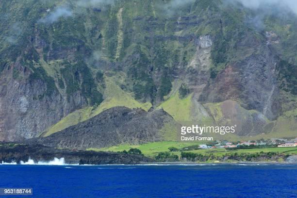 view of 1961 volcano on  tristan da cunha island in the south atlantic. - isla tristán de acuña fotografías e imágenes de stock