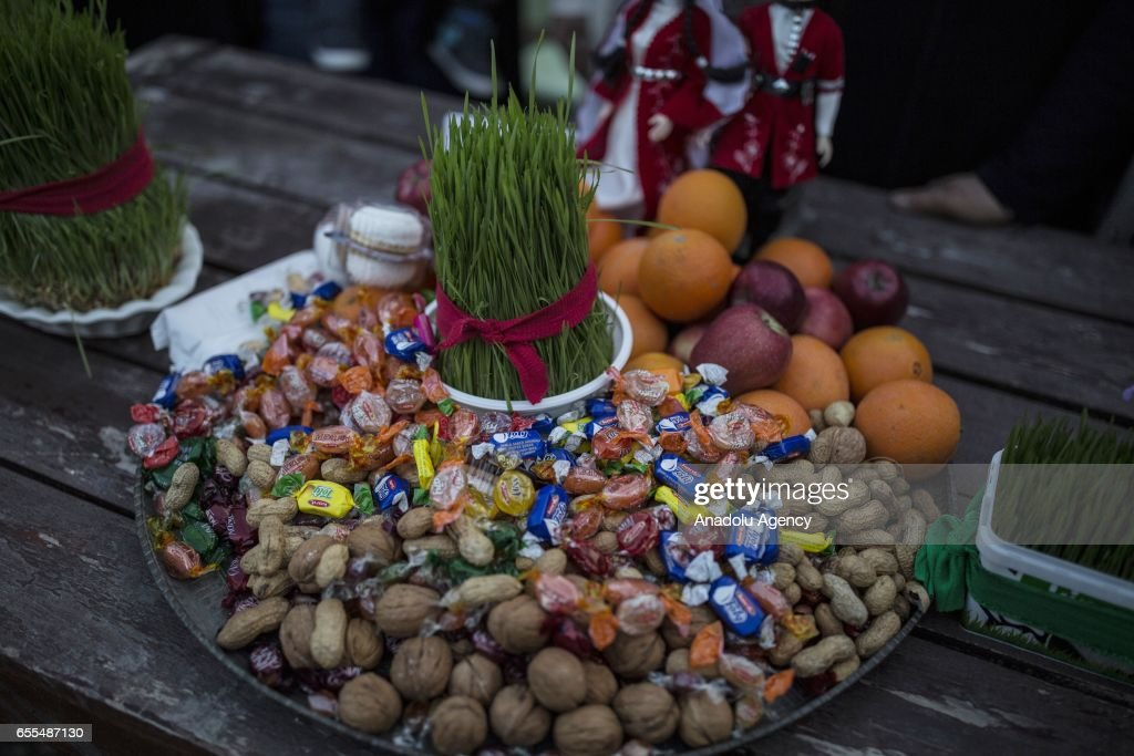 A view of 7 types of various gifts, including fruits or