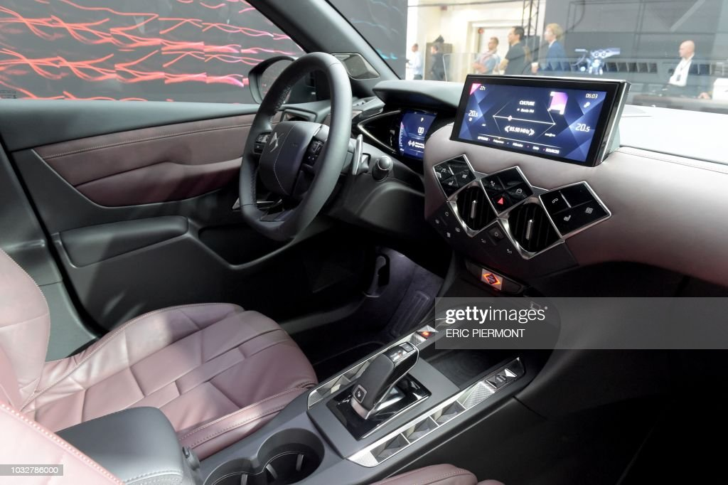 view of a ds 3 crossback 39 la premiere 39 instrument panel as french news photo getty images. Black Bedroom Furniture Sets. Home Design Ideas
