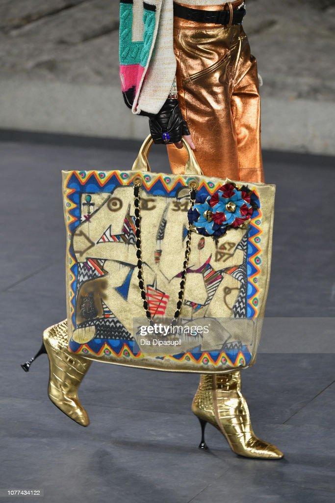 Chanel Metiers D'Art 2018/19 Show - Runway : News Photo