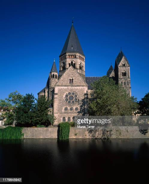protestant temple neuf church banks moselle