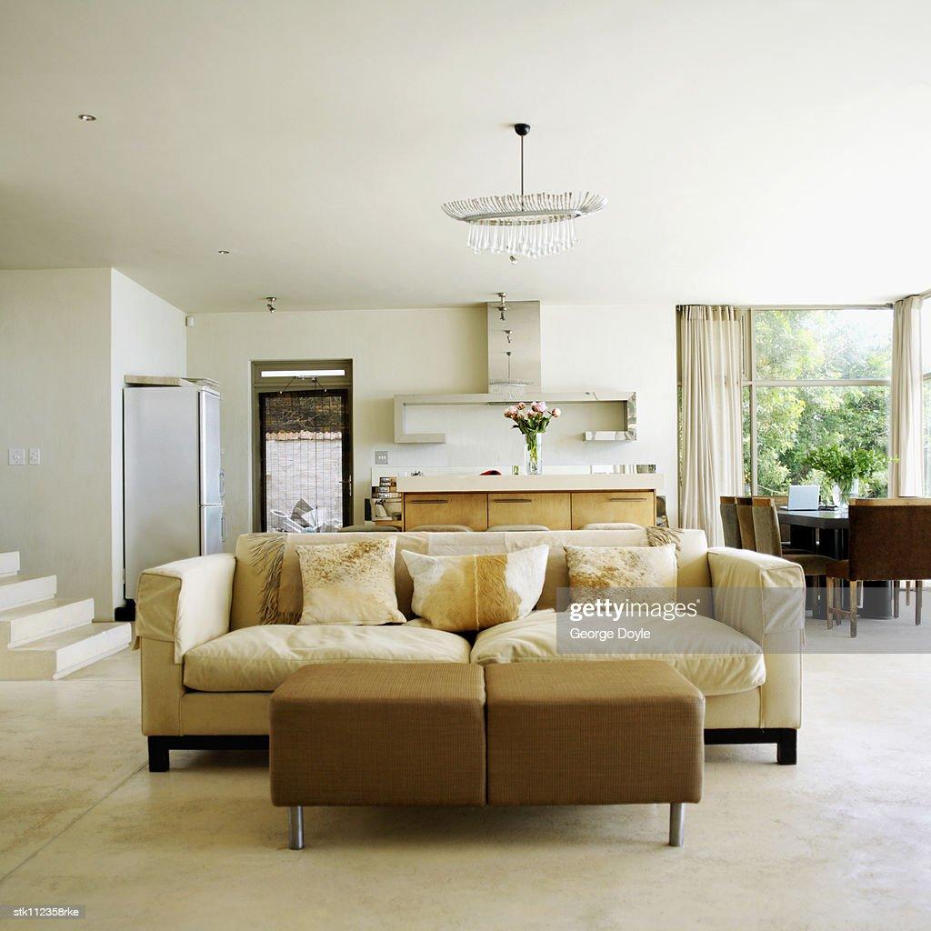 View of a contemporary living room : Bildbanksbilder