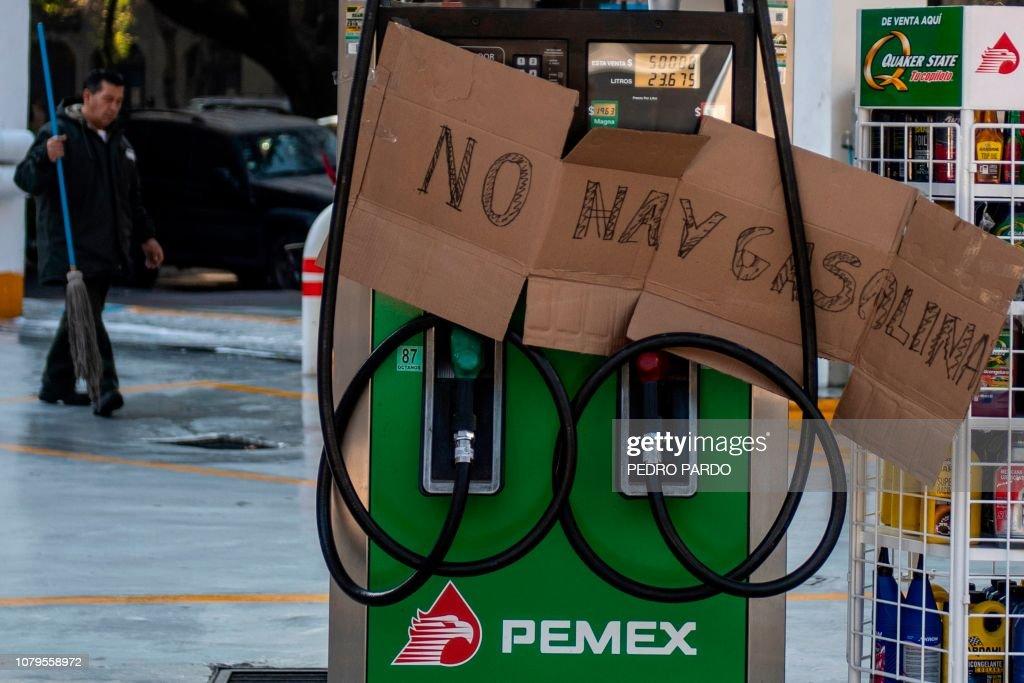 MEXICO-FUEL-SHORTAGE-THEFT-MEASURES : News Photo