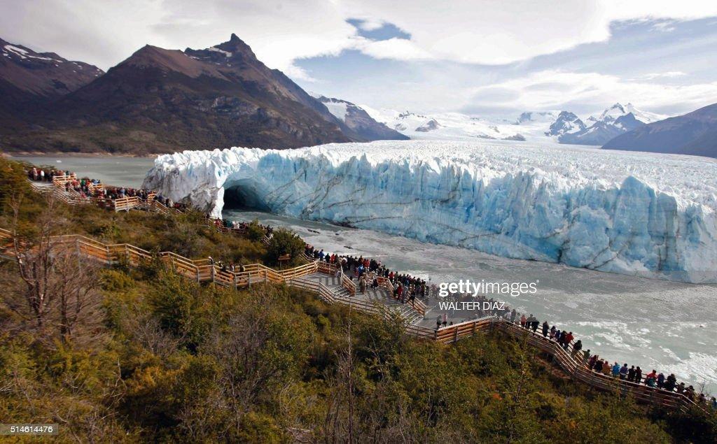 ARGENTINA-GLACIER-PERITO MORENO : News Photo