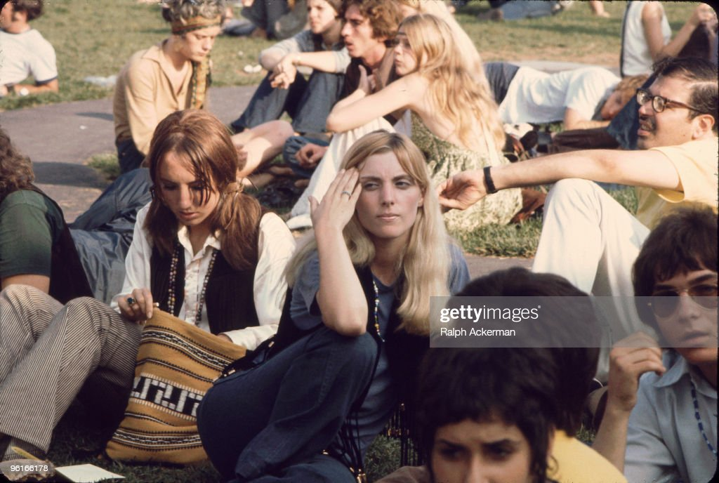 Waiting For The Bus To Woodstock : News Photo