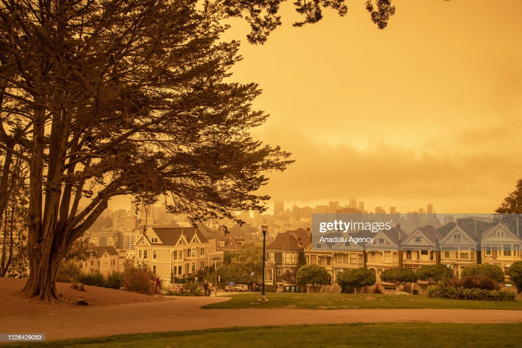 Wildfires in San Francisco create a layer of smoke : News Photo