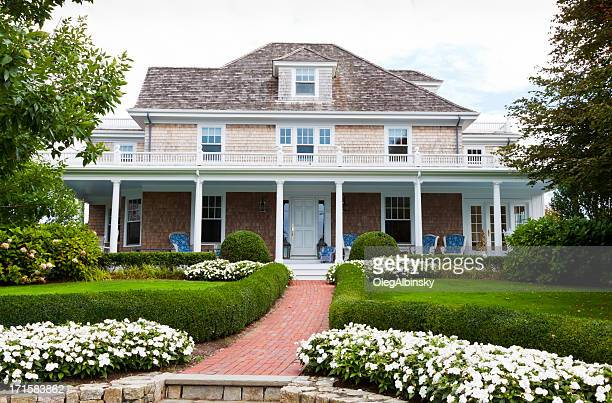 a view of a luxurious house in new england - new england usa stock pictures, royalty-free photos & images