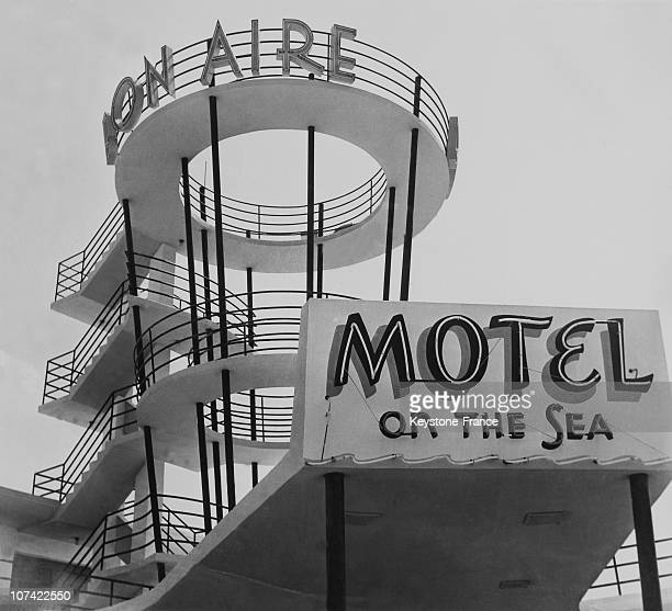 View Of A Motel And Its Sign Board In Usa
