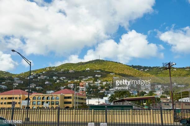 view of a mountainside community on st. thomas, usvi - paisajes de st thomas fotografías e imágenes de stock