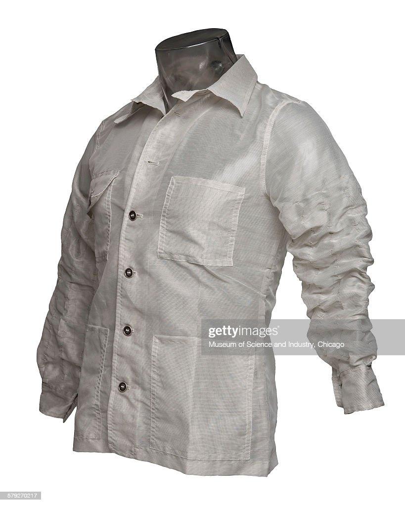 Shape Memory Alloy Shirt : Foto di attualità