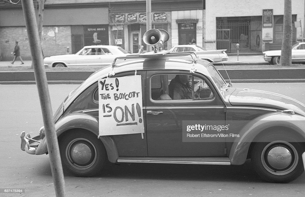 Beetle In Harlem Pictures Getty Images - Volkswagen new york