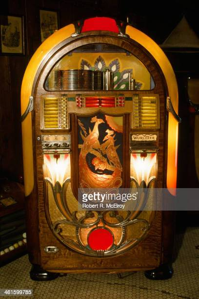 30 Top Wurlitzer Jukebox Pictures, Photos and Images - Getty