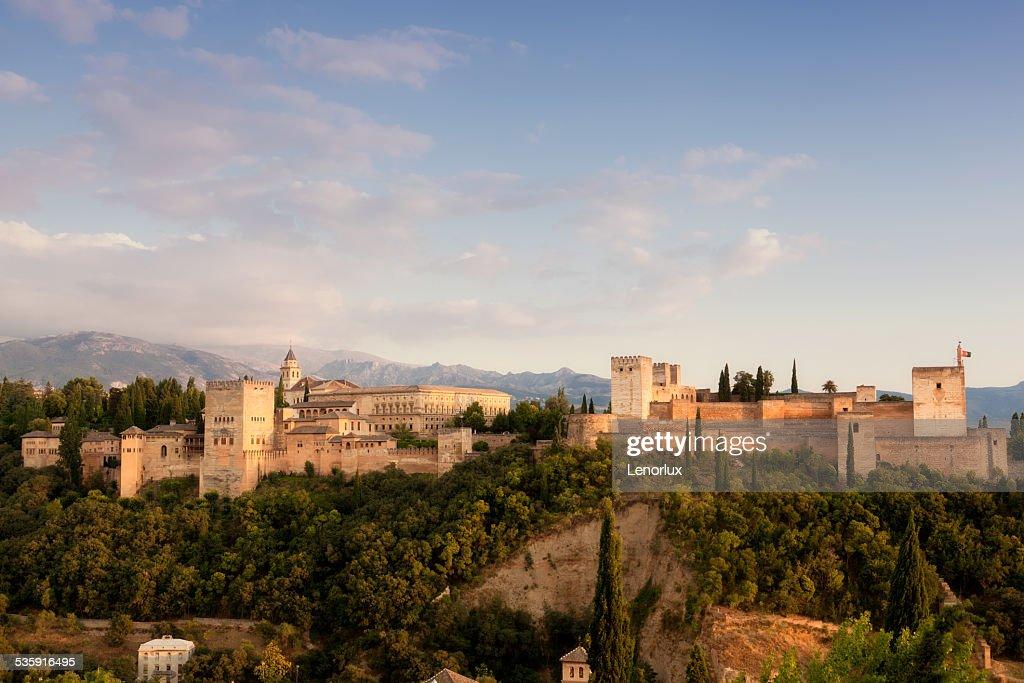 Alkhambr vista de la fortaleza de un atardecer : Foto de stock