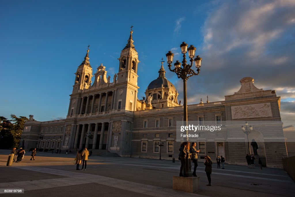 View of Almudena Cathedral, Madrid : ストックフォト