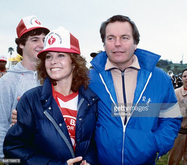 View of American actors Stefanie Powers and Robert Wagner who play the titular characters in the television show 'Hart to Hart' as they attend a...