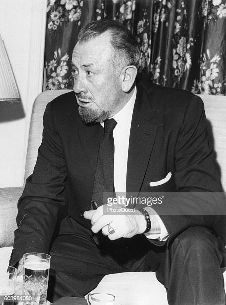 John steinbeck photos et images de collection getty images for American sofa berlin