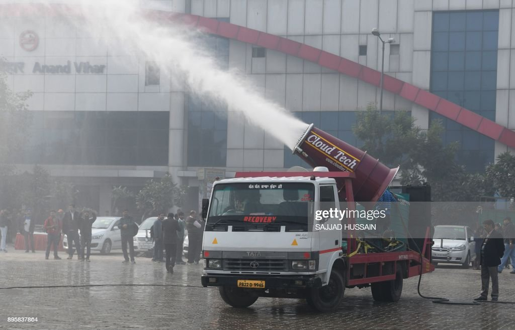 TOPSHOT-INDIA-POLLUTION : News Photo