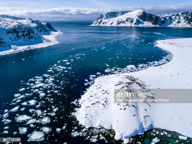 view of arctic ocean with pack ice, danskoya, spitsbergen, svalbard and jan mayen, norway - スヴァールバル諸島 ストックフォトと画像