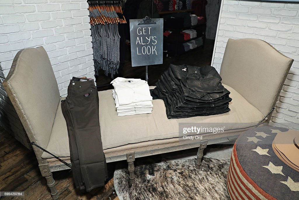 Aly raisman for aeropostale photos and images getty images a view of atmosphere as olympic medalist aly raisman takes part in a fan meet and m4hsunfo