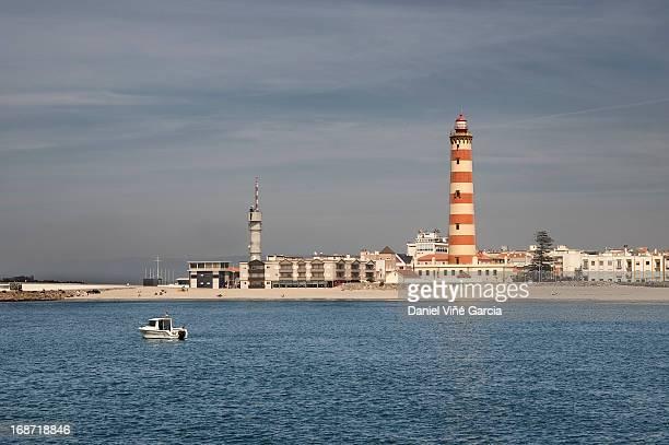 view of aveiro's lighthouse - アヴェイロ県 ストックフォトと画像