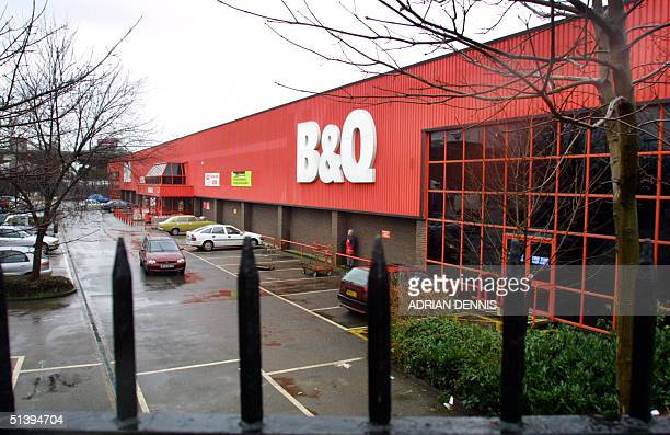 B q fotografas e imgenes de stock getty images a view of b q doityourself store in west london 08 february 2001 afp photo solutioingenieria Images