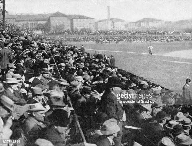 View of baseball spectators along the left field line during a World Series game, Pittsburgh, Pennsylvania, October 1909.