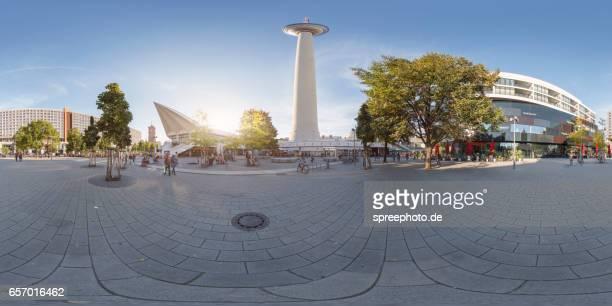 360° view of berlin alexanderplatz - panoramica a 360 gradi foto e immagini stock