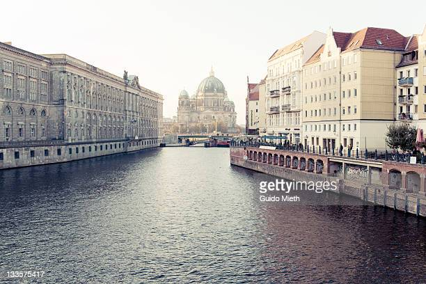 view of berlin cathedral spree - spree river stock pictures, royalty-free photos & images