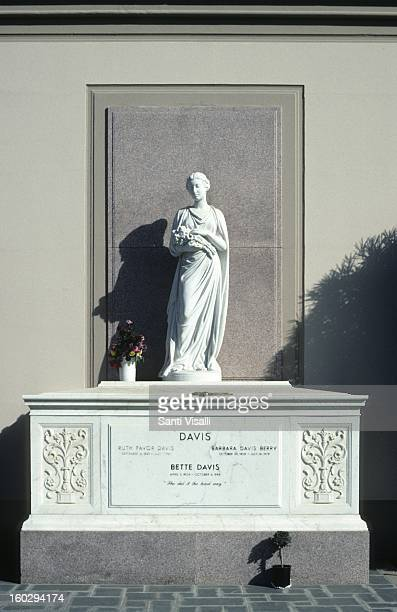 A view of Bette Davis' tomb at Riverside National Cemetery in 1991 in Los Angeles California