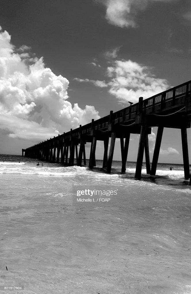 View of bridge over sea : Stock Photo
