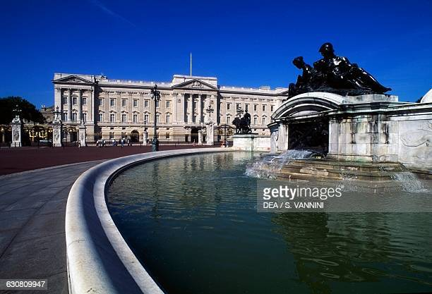 View of Buckingham Palace London residence of the reigning monarch of the United Kingdom London England United Kingdom