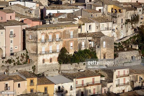 view of buildings of ragusa ibla - massimo pizzotti foto e immagini stock