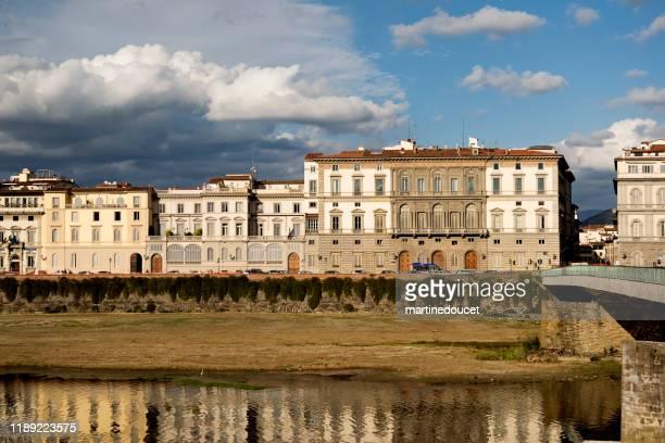 """vista de los edificios en el río arno, florencia italia - """"martine doucet"""" or martinedoucet fotografías e imágenes de stock"""