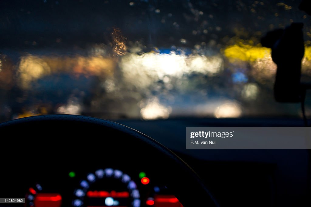 View of car from inside driving in rains : Stockfoto