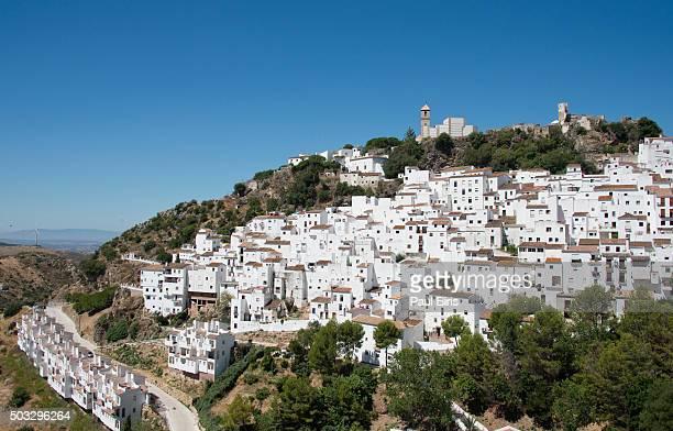 view of casares, pueblos blancos (white towns), andalusia, spain - indigo casares fotografías e imágenes de stock