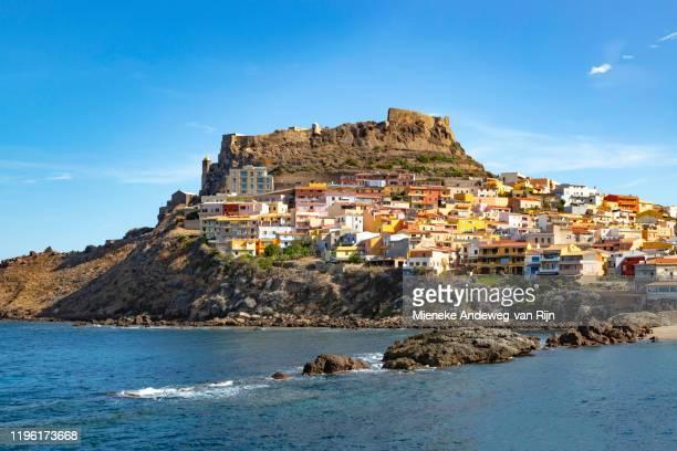 view of castelsardo and fortress, sassari, sardinia, italy. - cerdeña fotografías e imágenes de stock