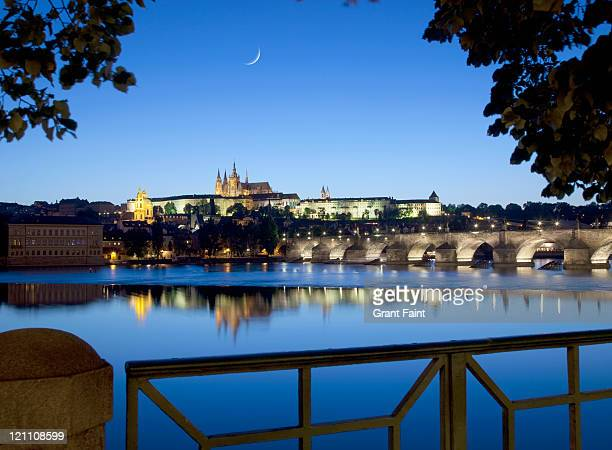 view of castle at night. - hradcany castle stock pictures, royalty-free photos & images