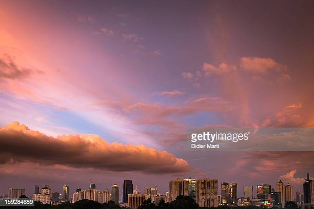 CONTENT] A view of central Jakarta at sunset from Senayan Indonesia