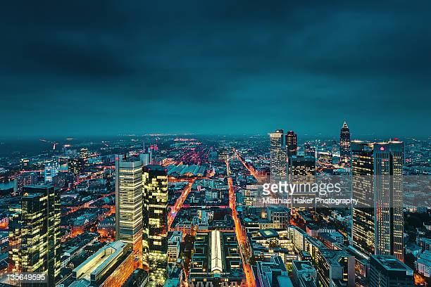 view of city at night - frankfurt main stock pictures, royalty-free photos & images