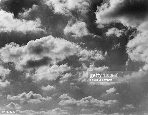 view of clouds and sky - {{relatedsearchurl(carousel.phrase)}} stock pictures, royalty-free photos & images
