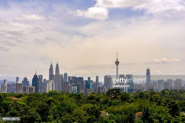 view of cloudy day at downtown kuala lumpur, malaysia - shaifulzamri imagens e fotografias de stock